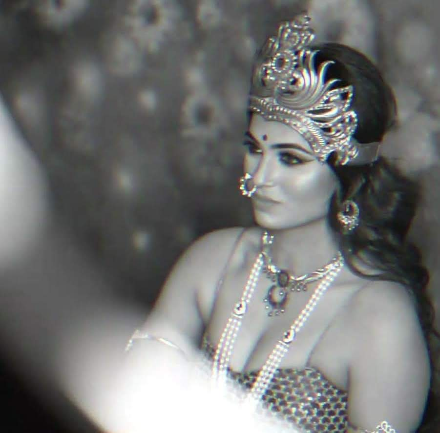 ramya-pandian-95