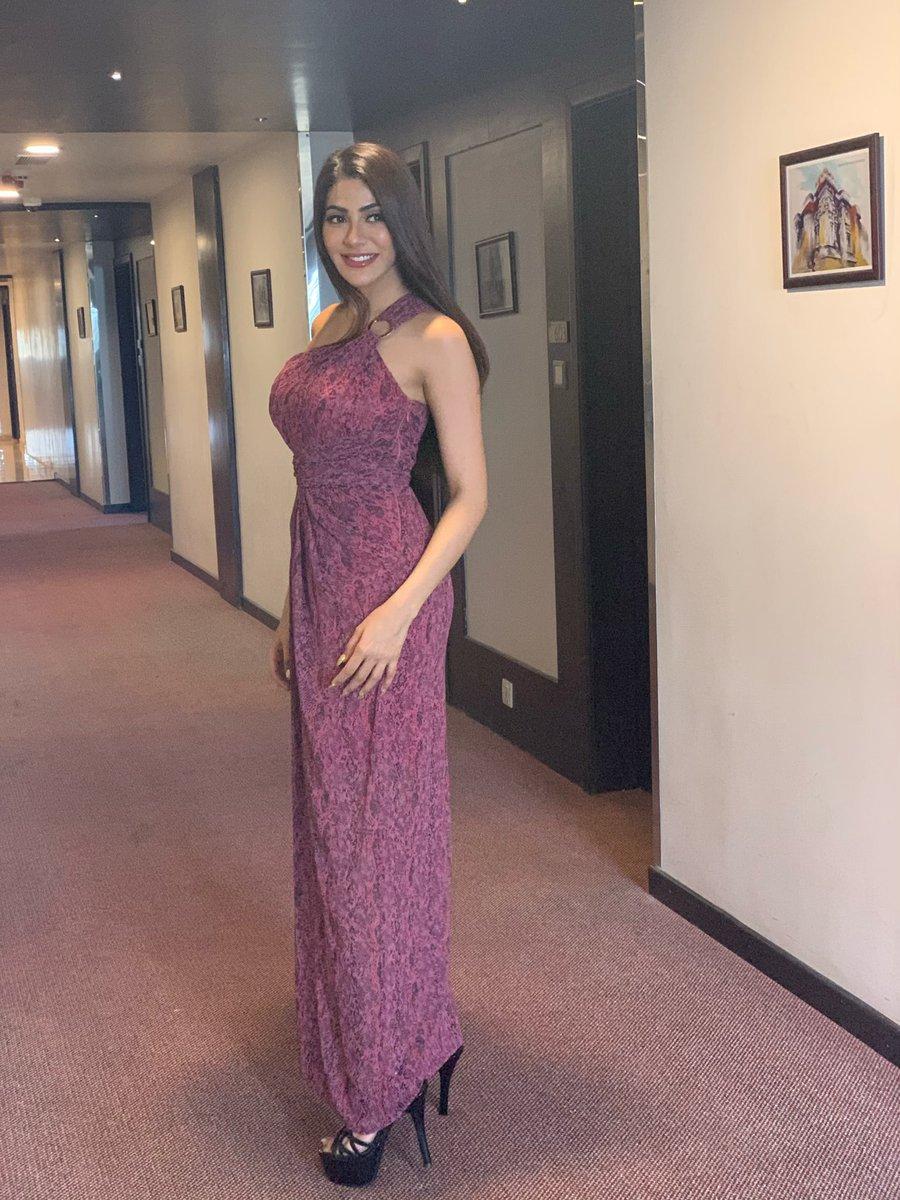 Nikki-Tamboli-(37)
