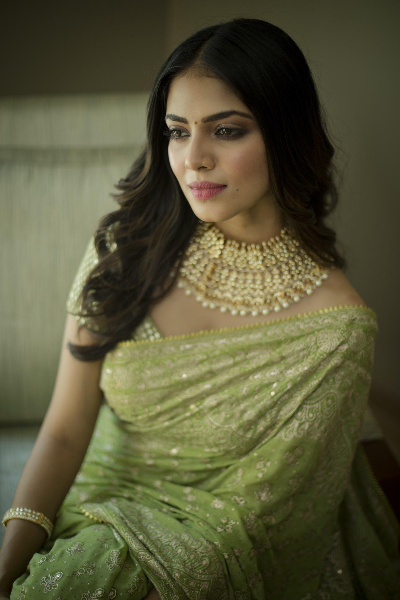 Thalapathy64 Fame Actress Malavika Mohanan Photos in Saree