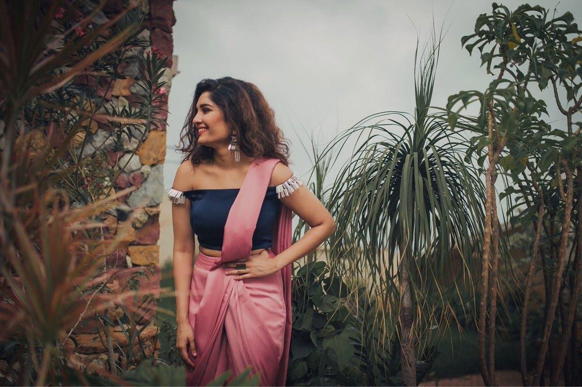 Ritika-Singh-37