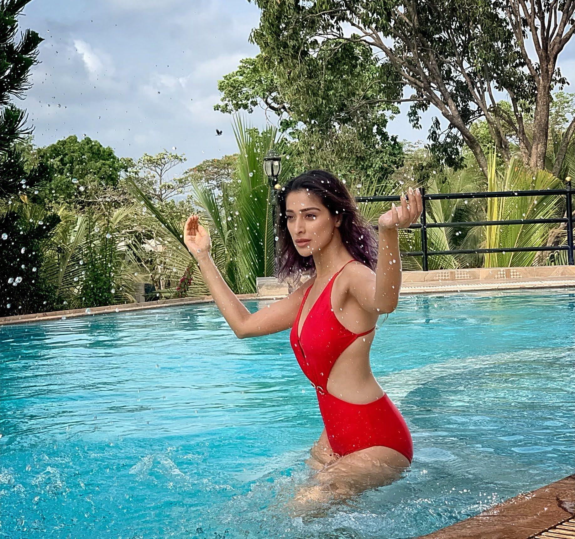 Rai-lakshmi-latest-images-32514