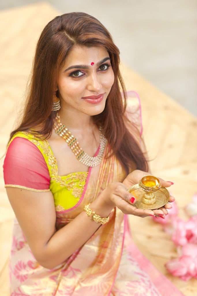 Sai-Dhanshika-Images-25