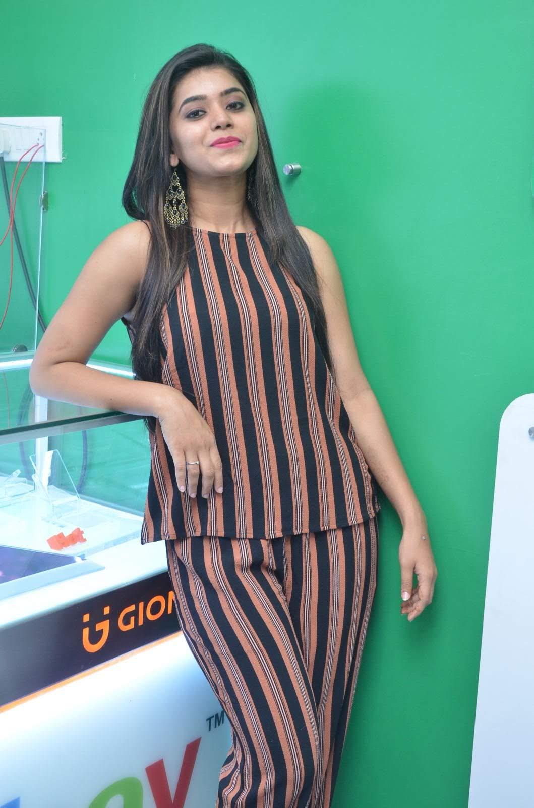 Yamini-Bhaskar-image-234622