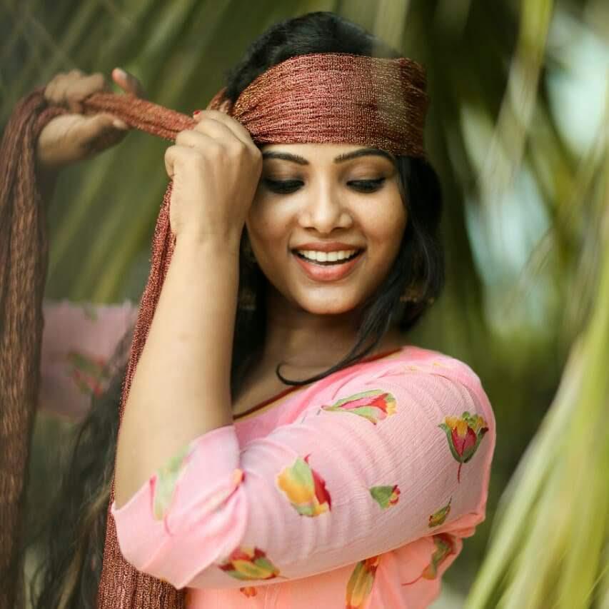 Dhivya-Dhuraisamy-10