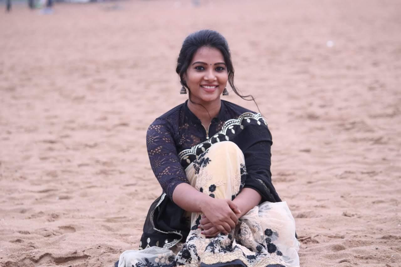 Dhivya-Dhuraisamy-14