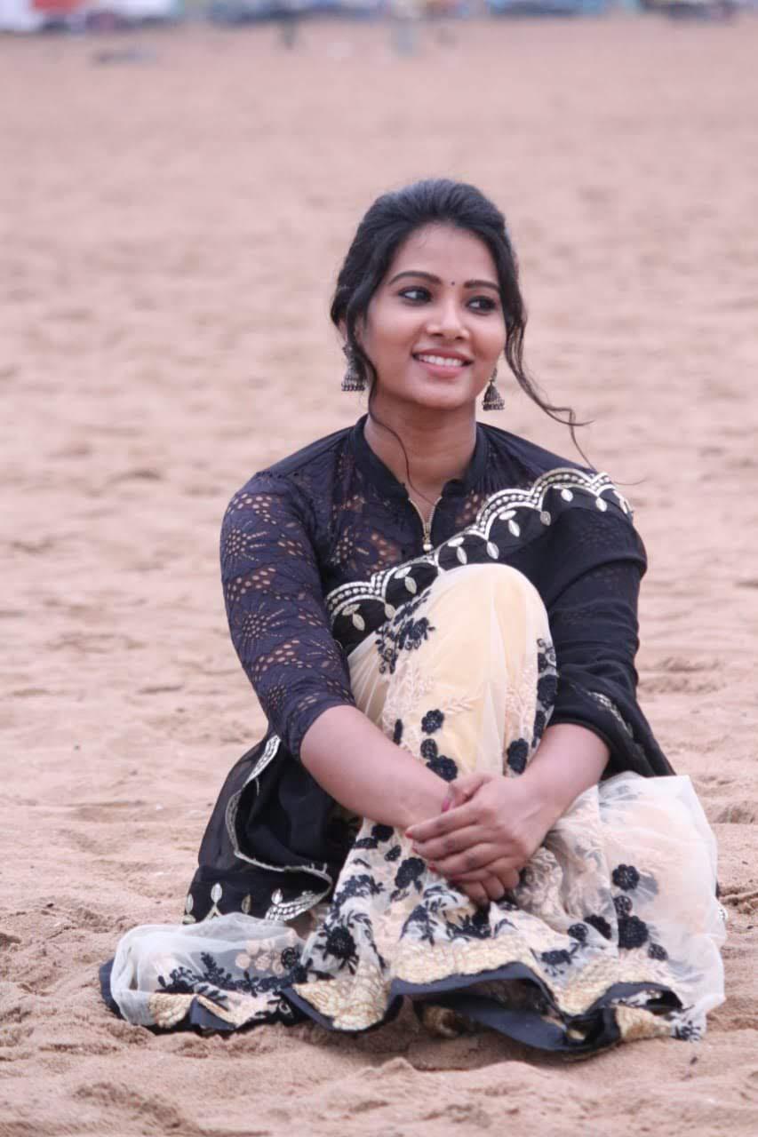 Dhivya-Dhuraisamy-15
