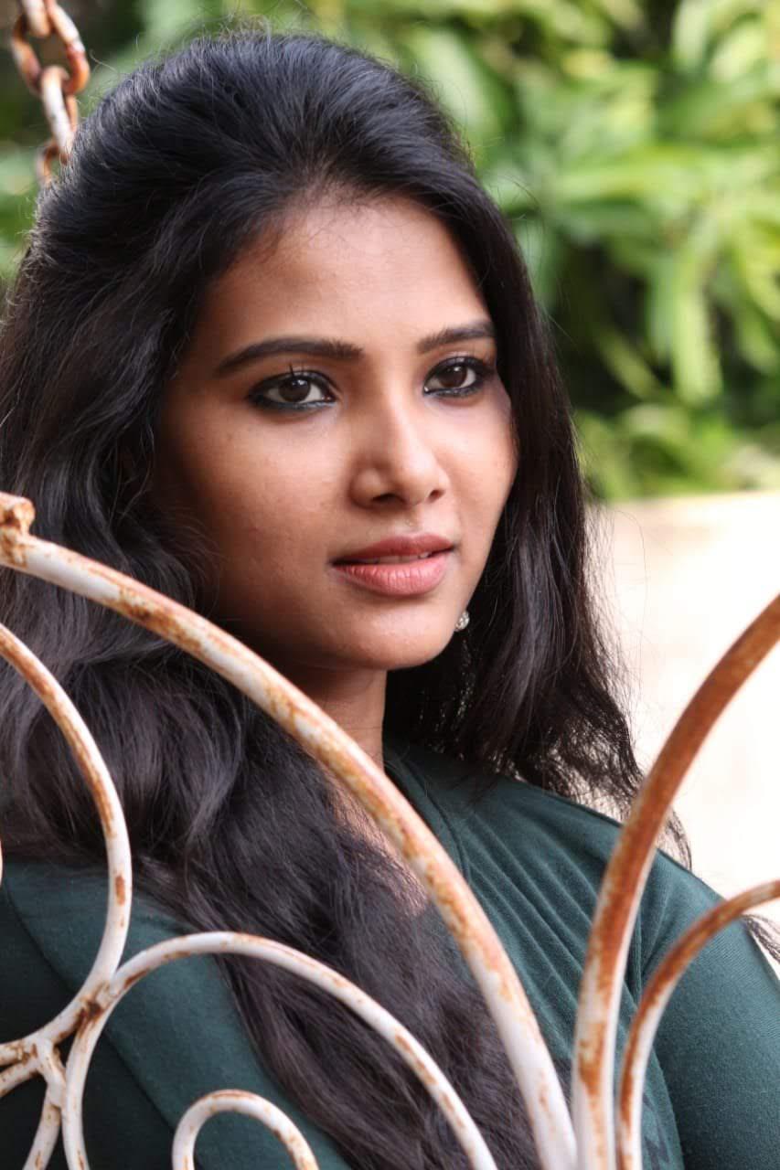Dhivya-Dhuraisamy-17