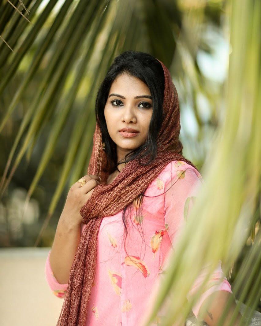 Dhivya-Dhuraisamy-19