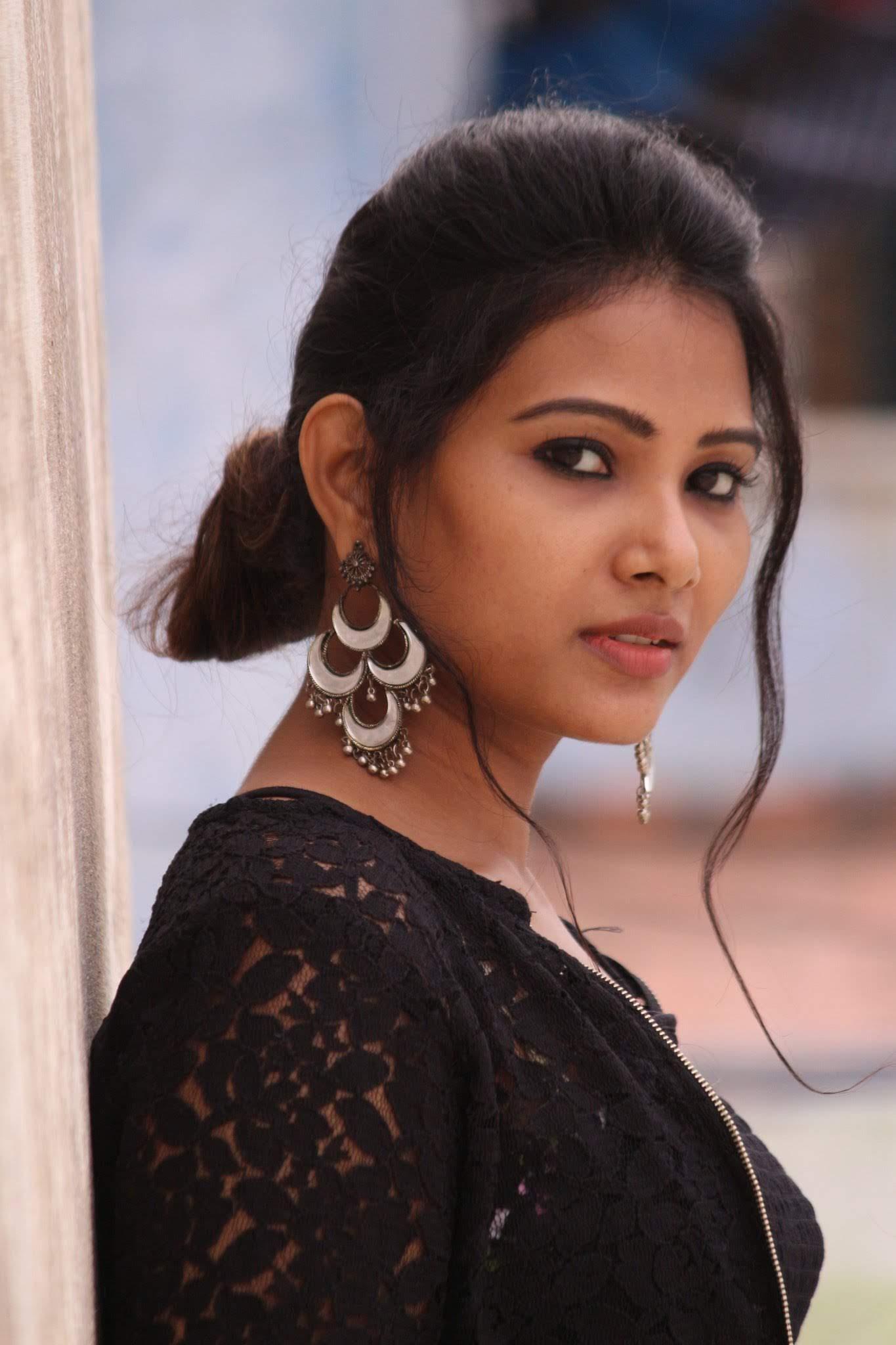 Dhivya-Dhuraisamy-31