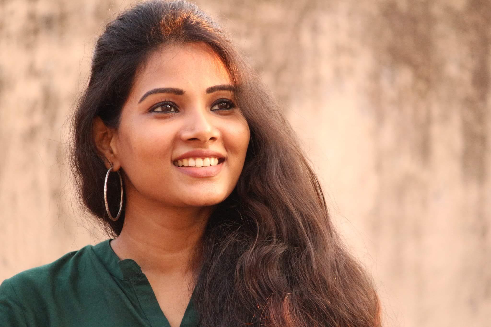 Dhivya-Dhuraisamy-34