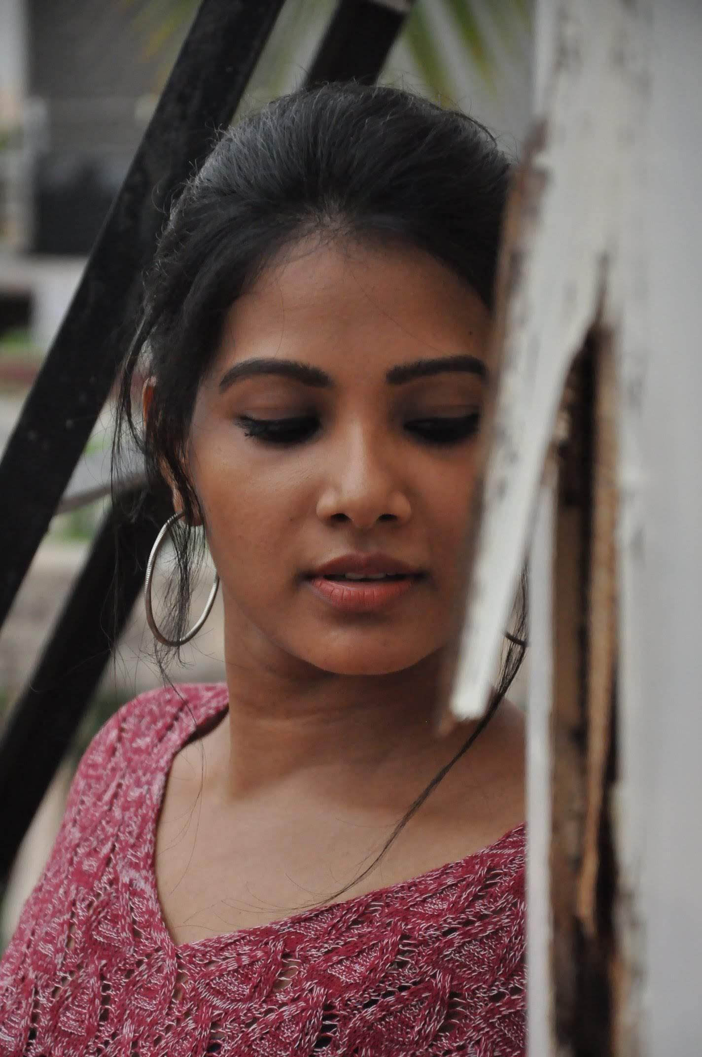 Dhivya-Dhuraisamy-37