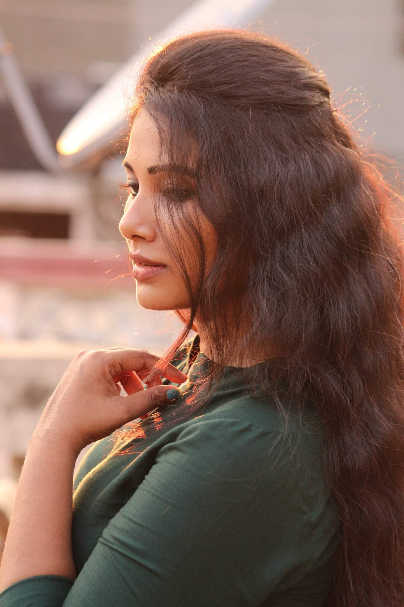 Dhivya-Dhuraisamy-40