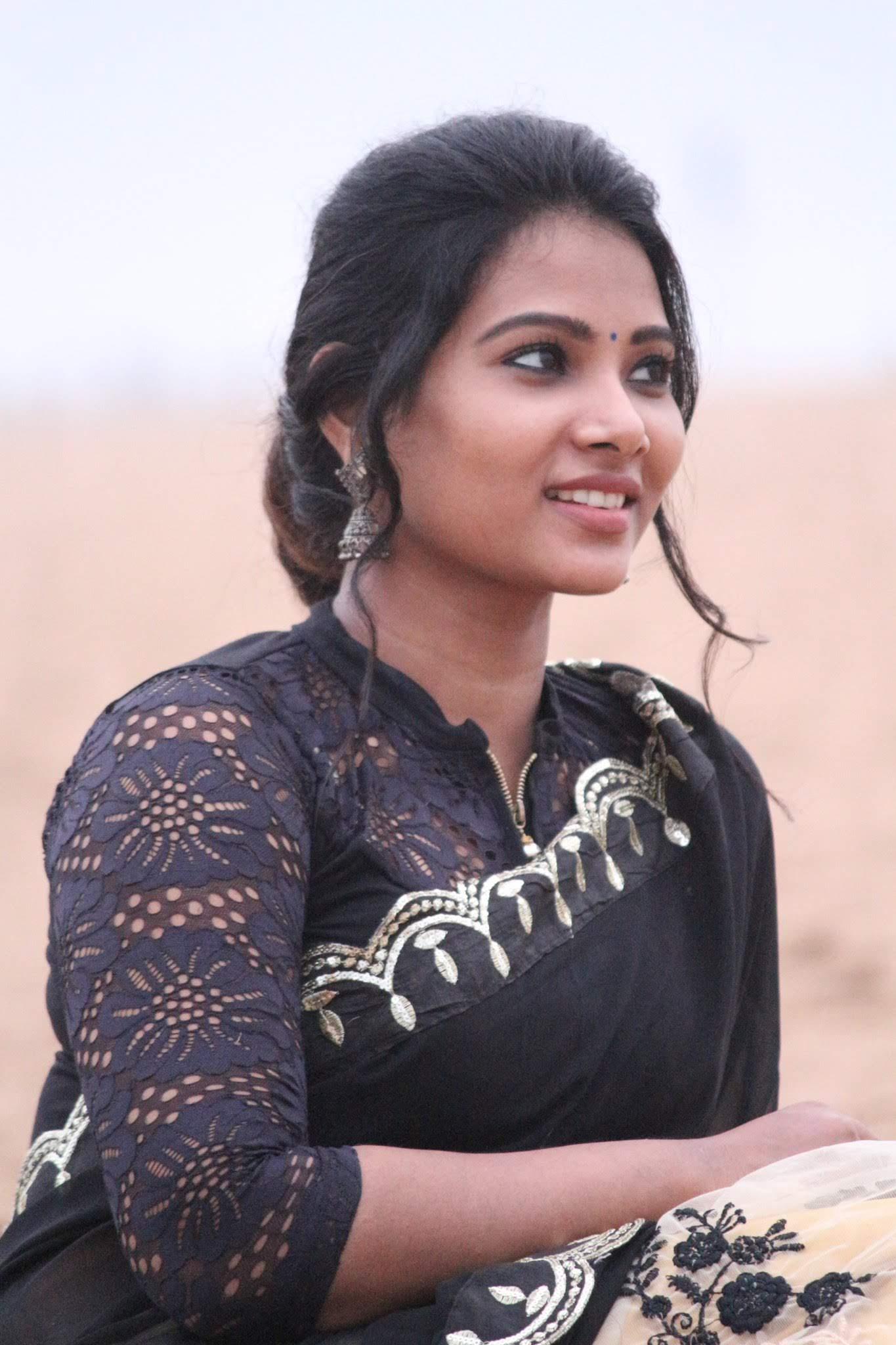 Dhivya-Dhuraisamy-41