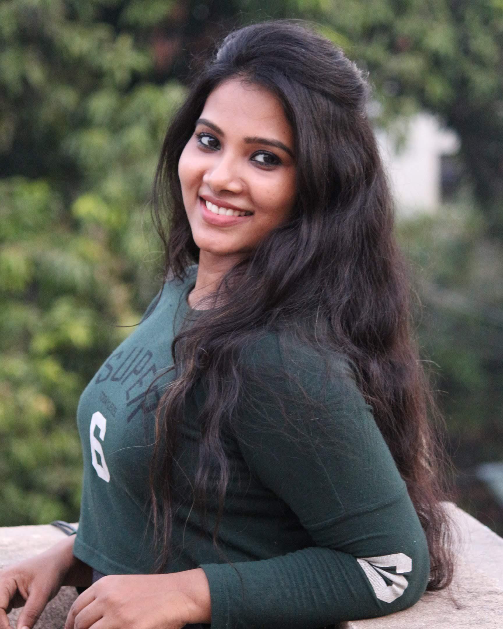 Dhivya-Dhuraisamy-49