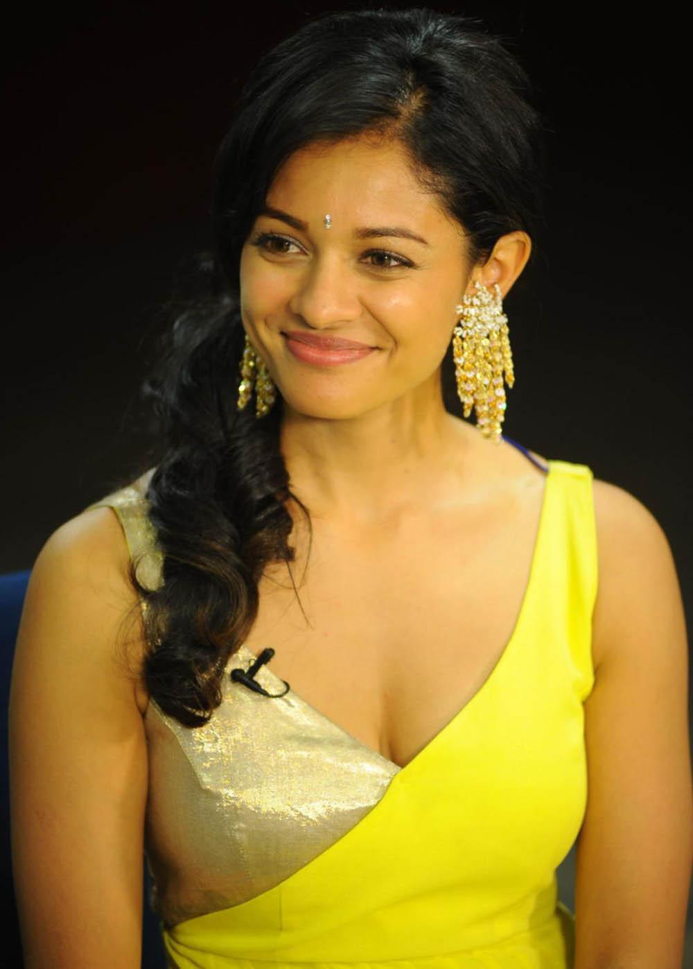 Viswaroopam Heroine Pooja Kumar Hot Photos