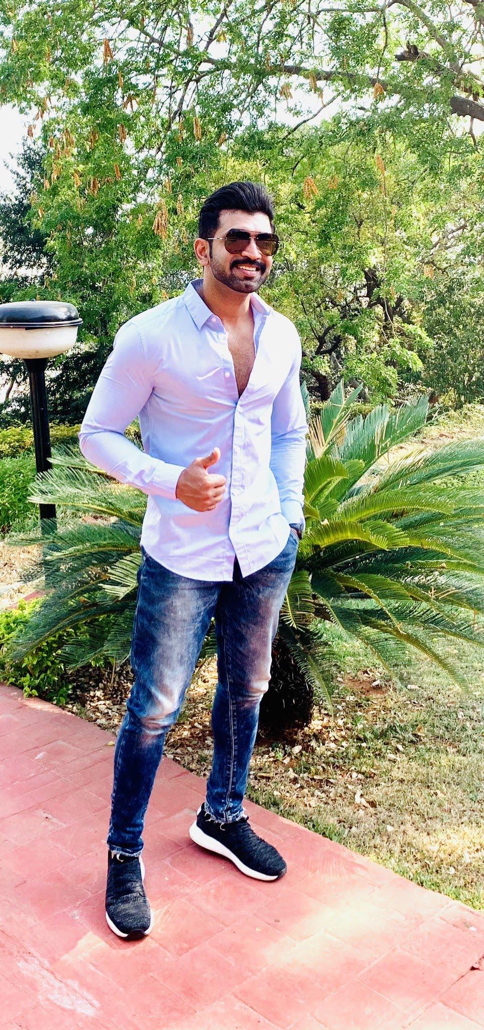 arun-vijay-0566401566404