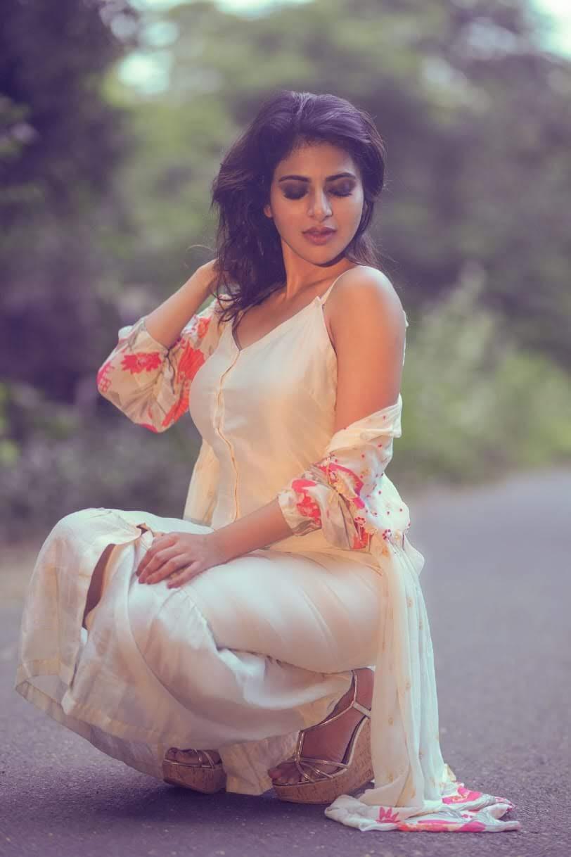 iswarya-menon-19