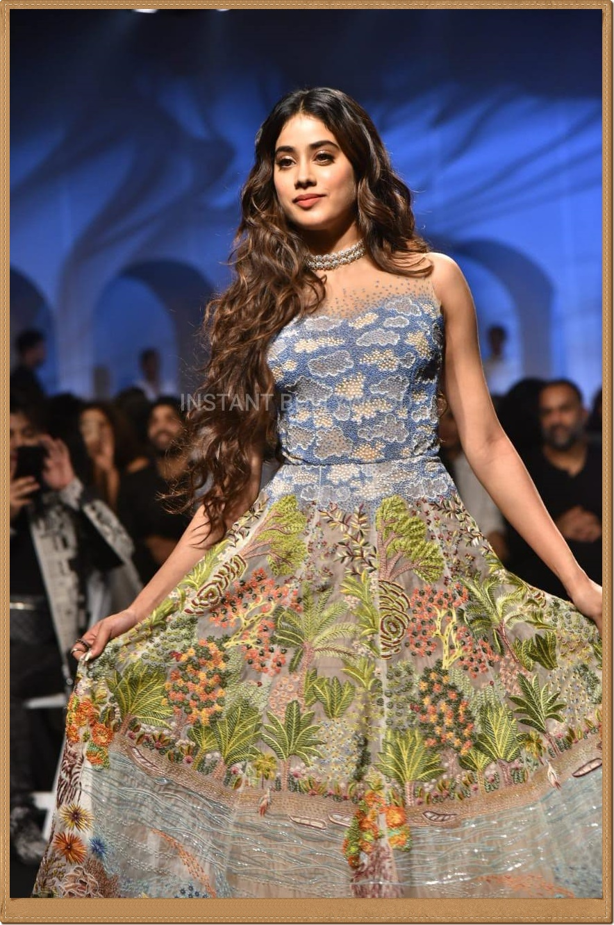 lakme-fashion-week-2020-11