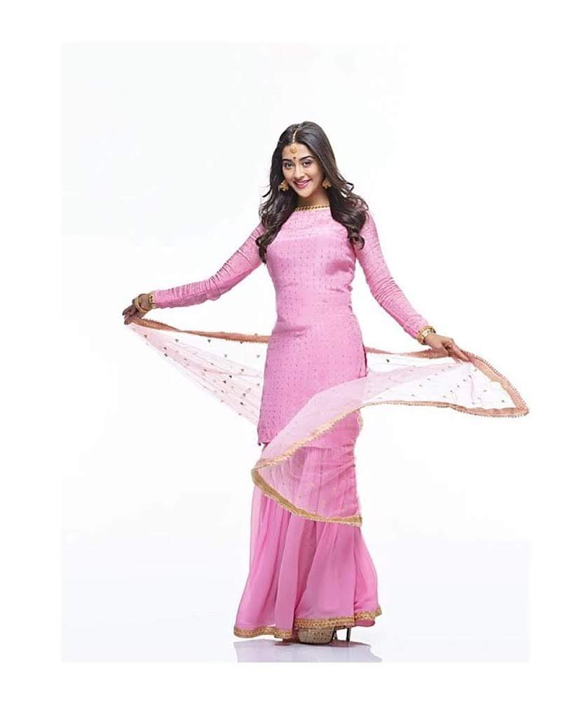 Pooja-Jhaveri-611584
