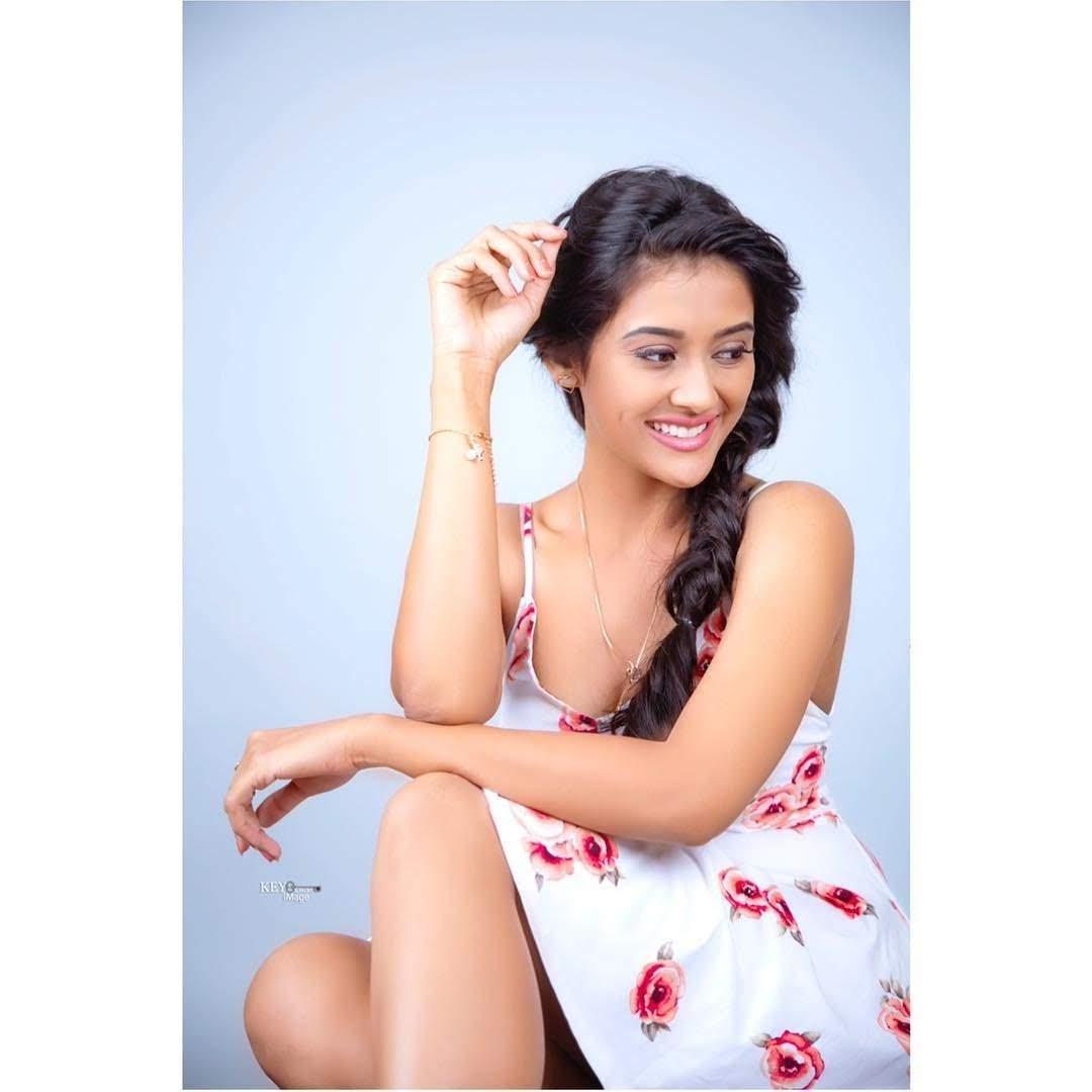 Pooja-Jhaveri-611602