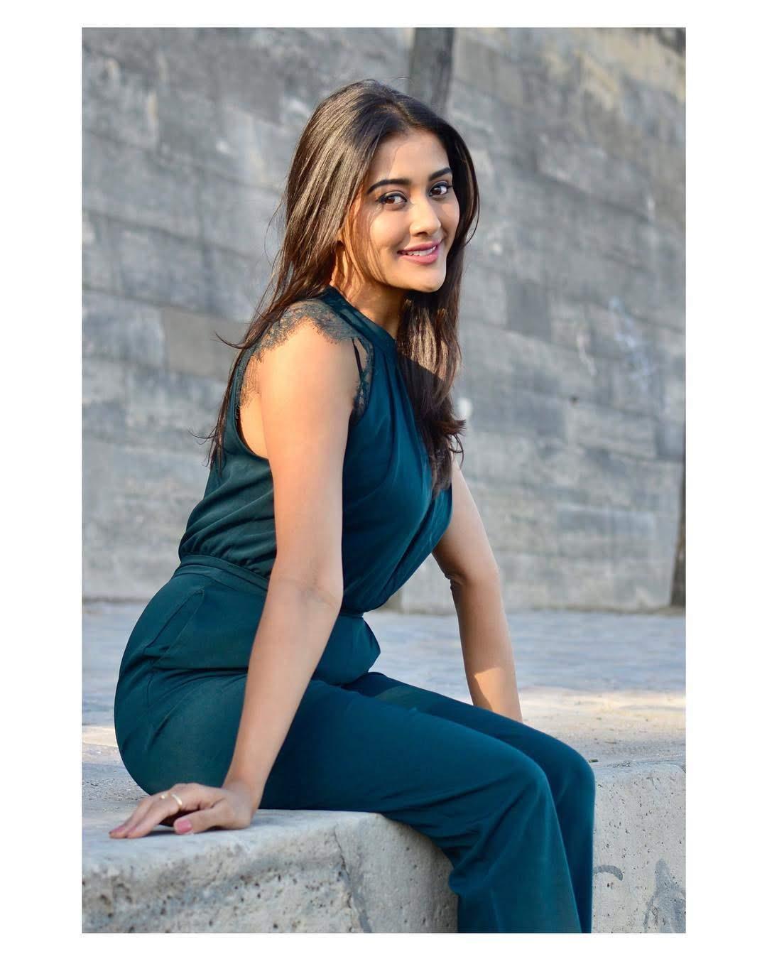 Pooja-Jhaveri-611658