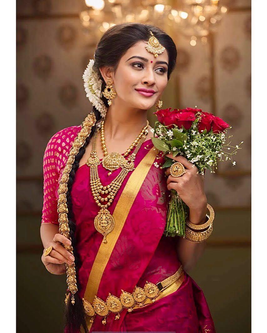 Pooja-Jhaveri-611698