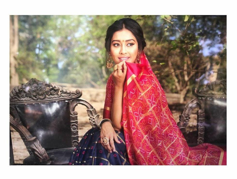 Pooja-Jhaveri-611708