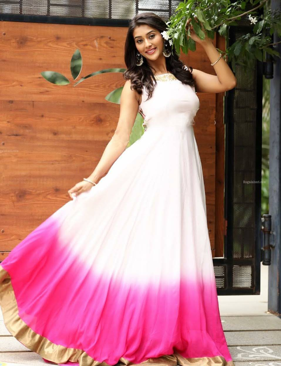 Pooja-Jhaveri-611722