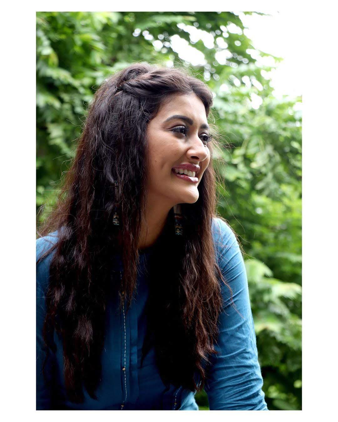 Pooja-Jhaveri-611727