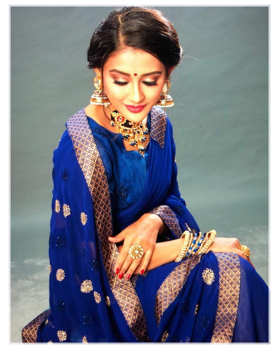 Pooja-Jhaveri-611728