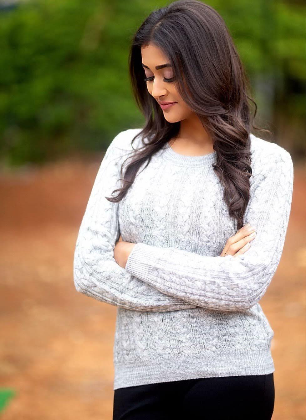 Pooja-Jhaveri-611742