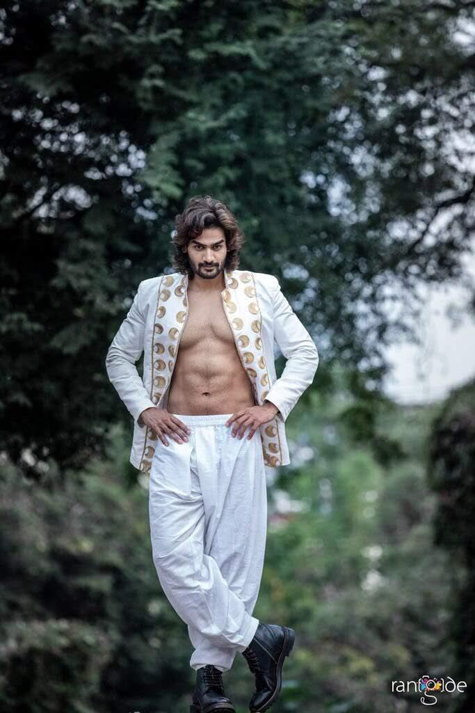 kartikeya-gummakonda-90ml-fame-actor-16