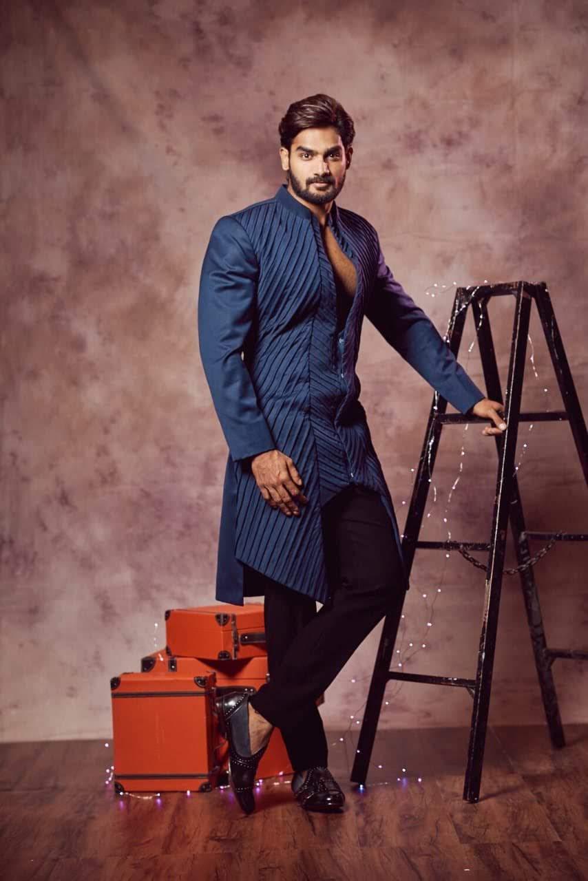 kartikeya-gummakonda-90ml-fame-actor-18