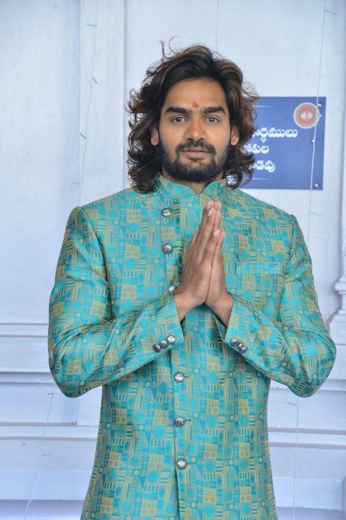 kartikeya-gummakonda-90ml-fame-actor-26