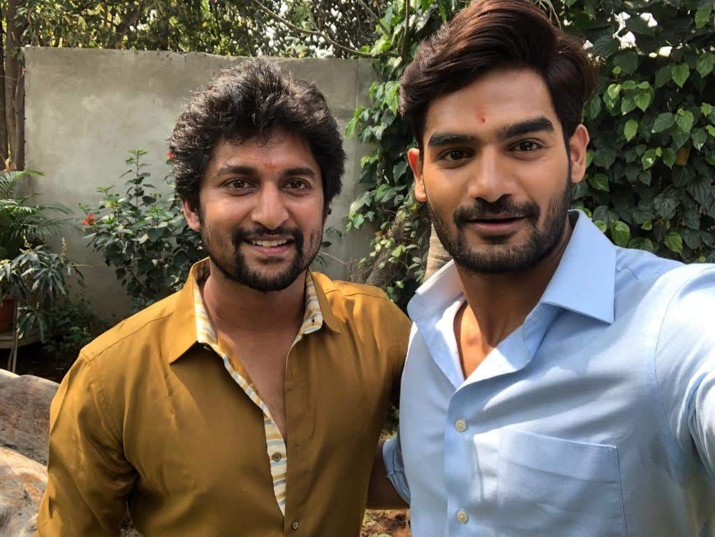 kartikeya-gummakonda-90ml-fame-actor-28