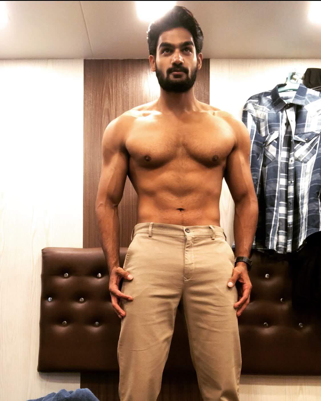 kartikeya-gummakonda-90ml-fame-actor-35