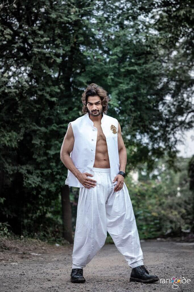 kartikeya-gummakonda-90ml-fame-actor-37