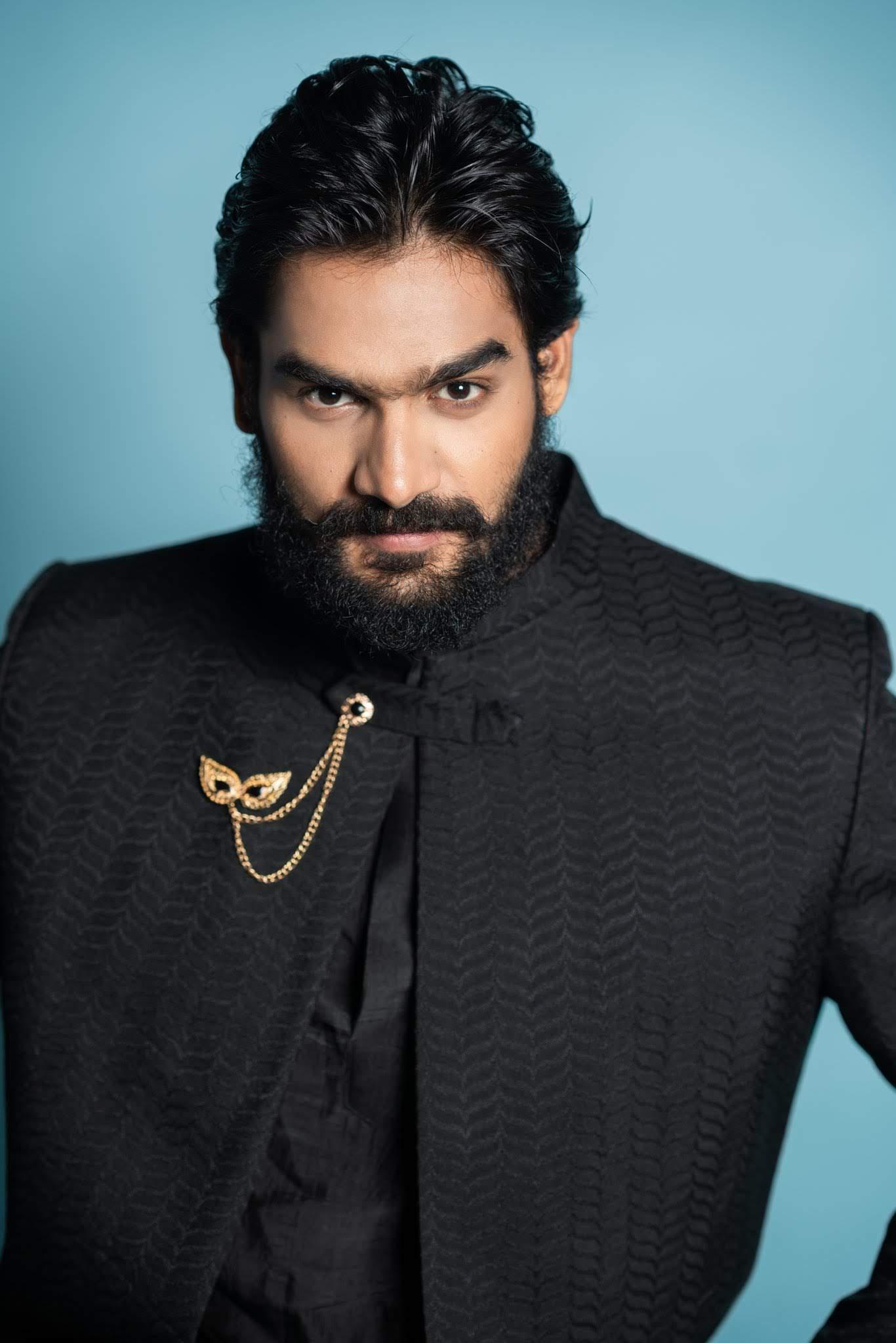 kartikeya-gummakonda-90ml-fame-actor-41