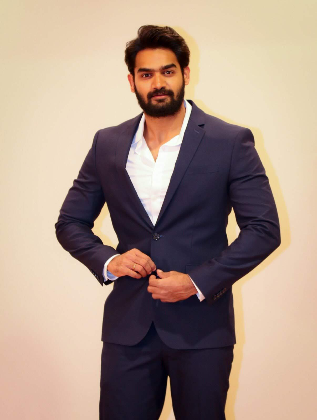 kartikeya-gummakonda-90ml-fame-actor-7