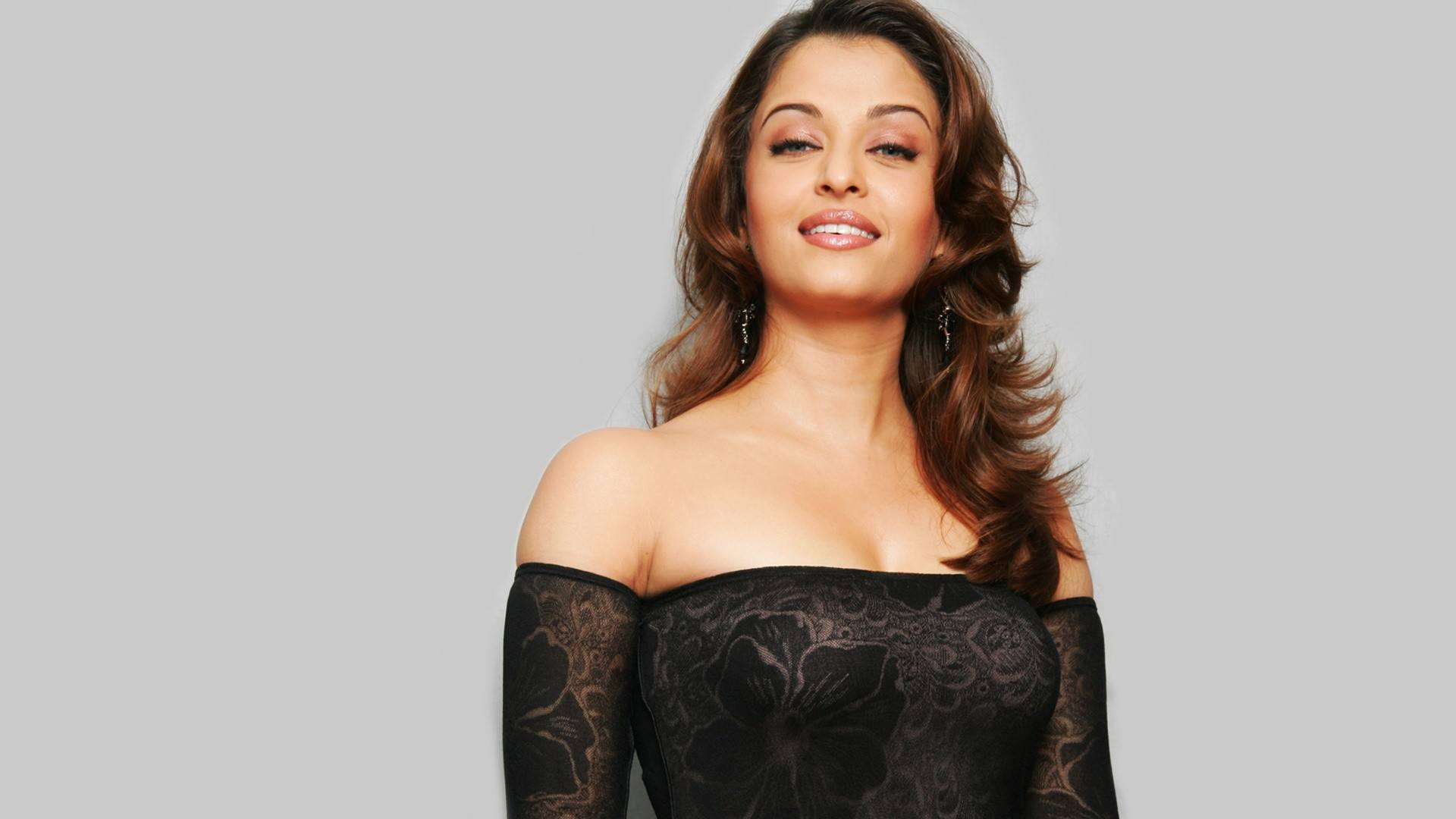 aishwarya_rai-wallpaper_2147483656