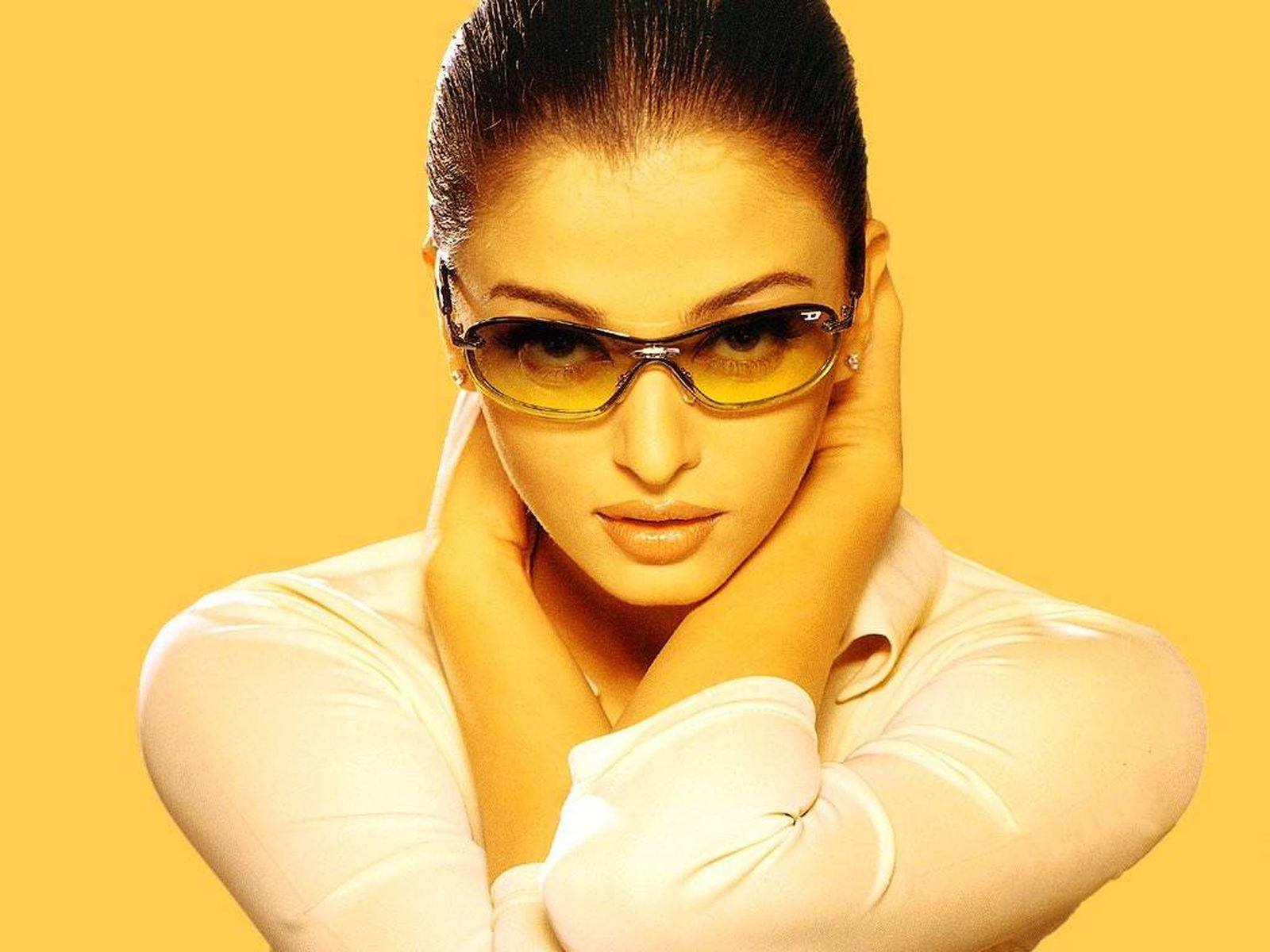 aishwarya_rai-wallpaper_2147483665