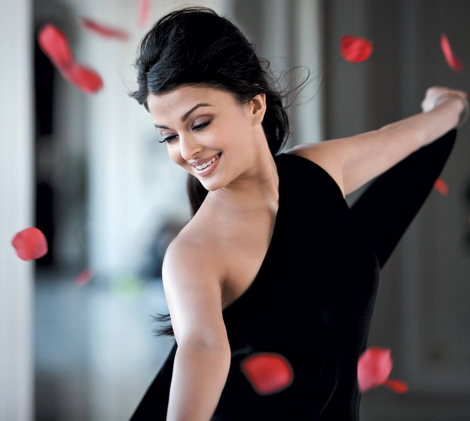 aishwarya_rai-wallpaper_2147483672