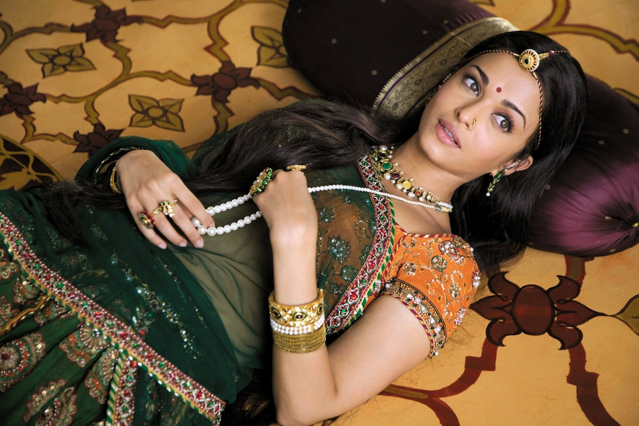 aishwarya_rai-wallpaper_2147483673