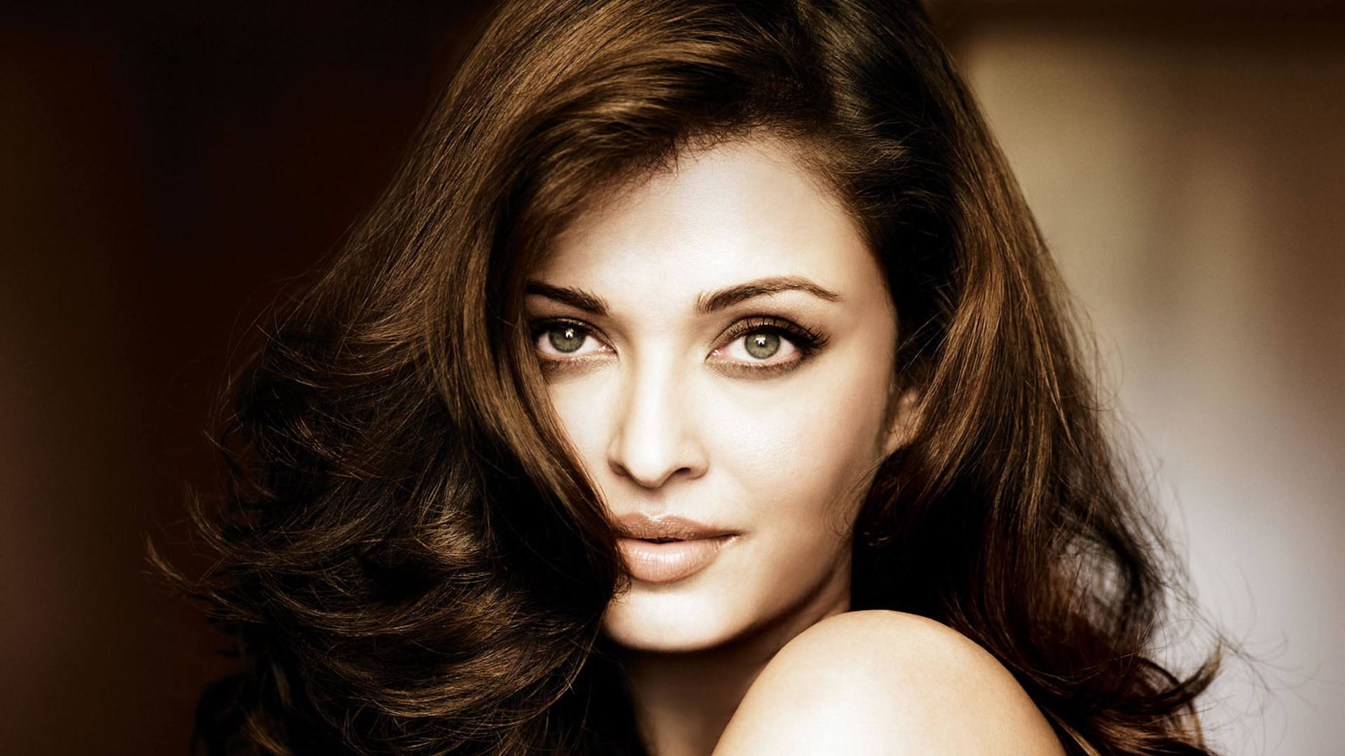 aishwarya_rai-wallpaper_2147483676