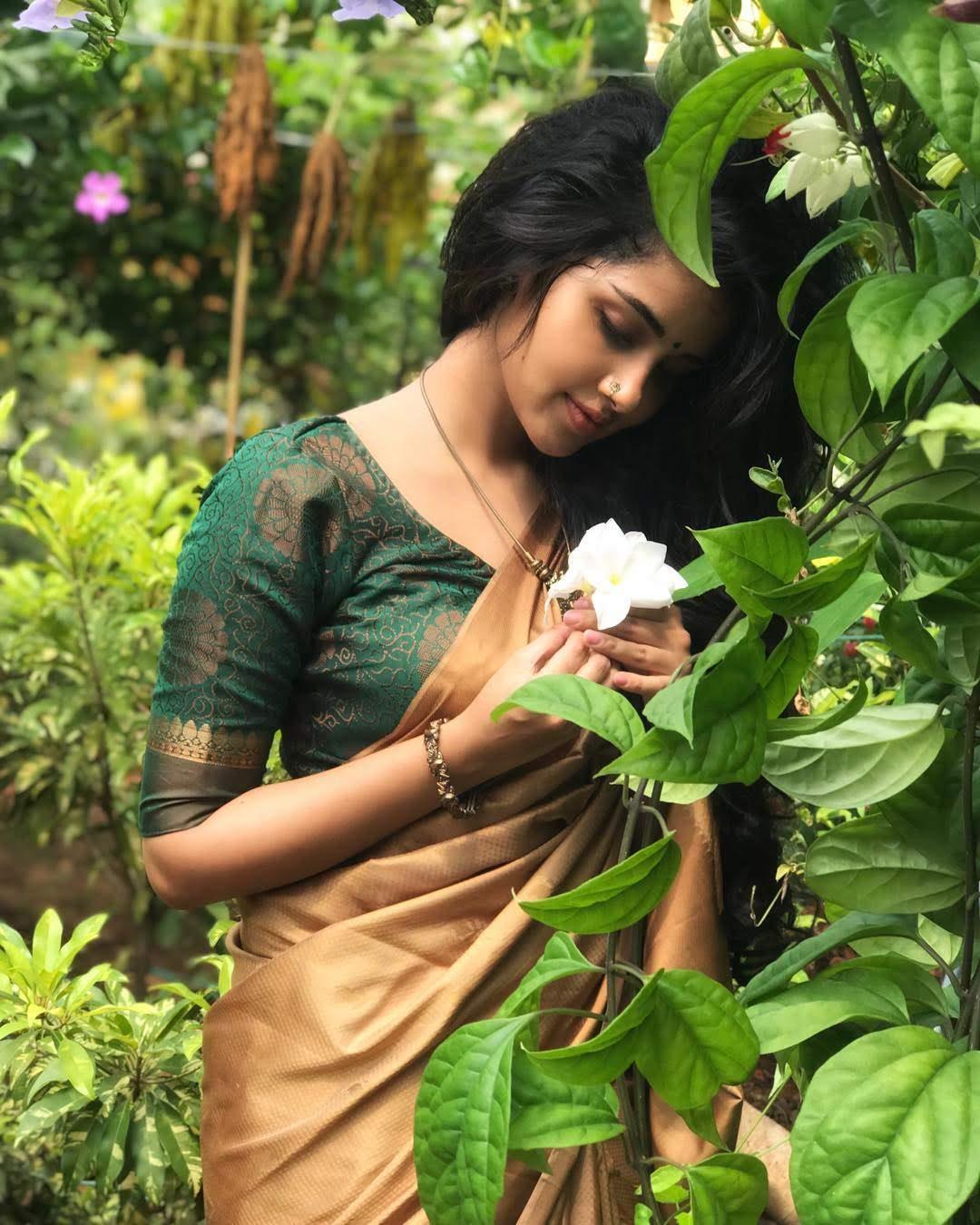 anupama_parameswaran_116