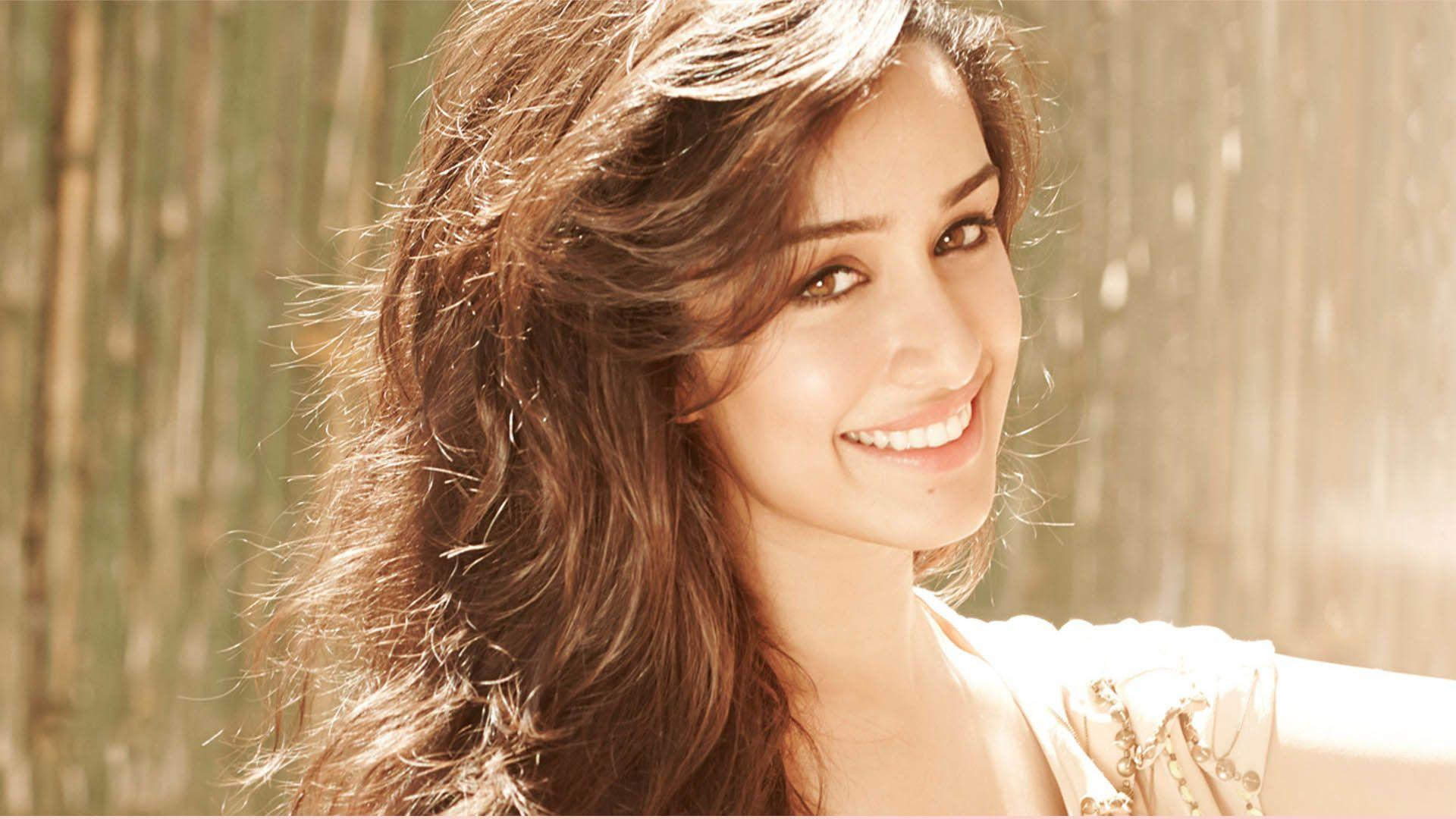 shraddha_kapoor_wallpaper_97338029