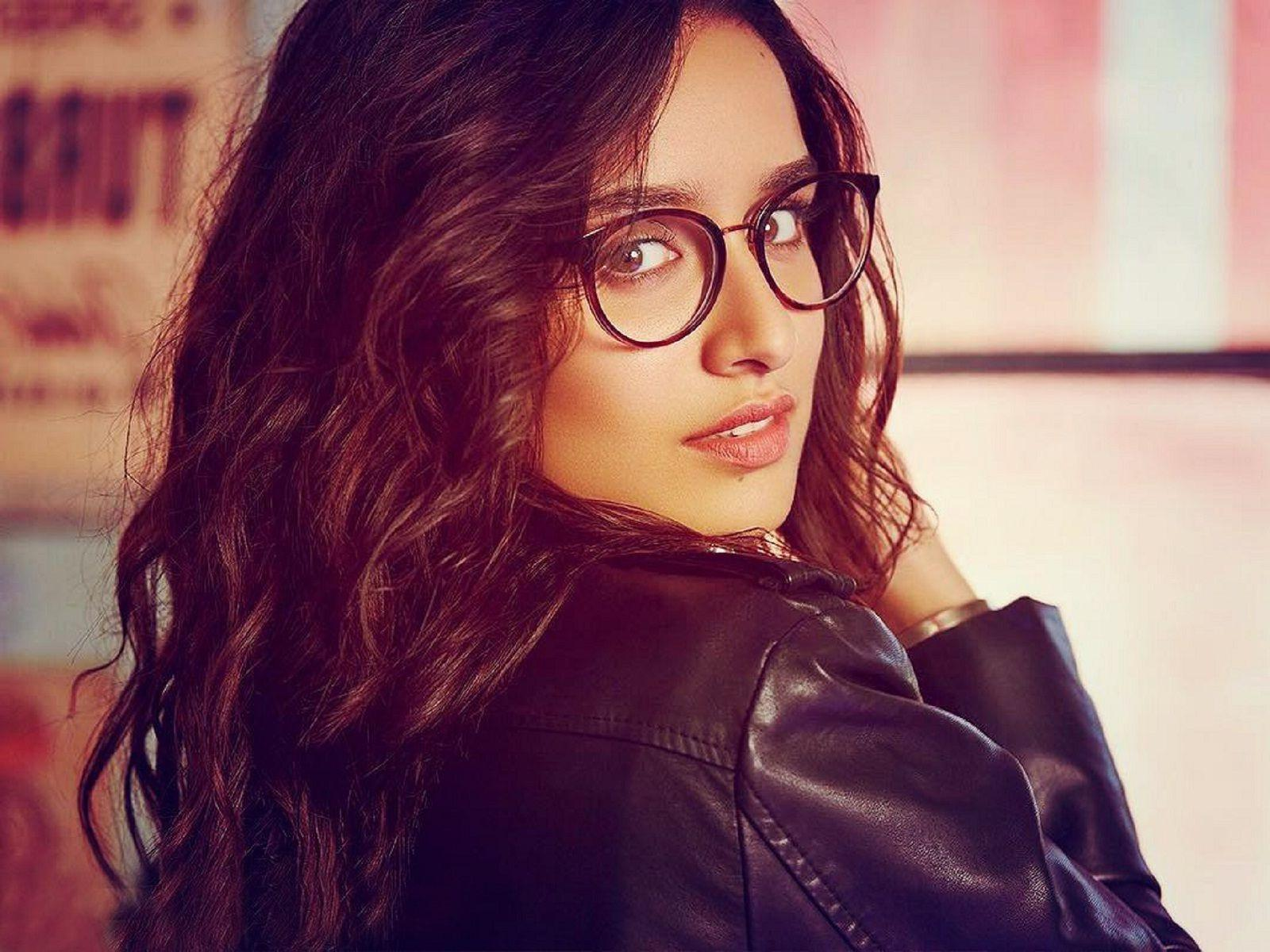 shraddha_kapoor_wallpaper_97338037