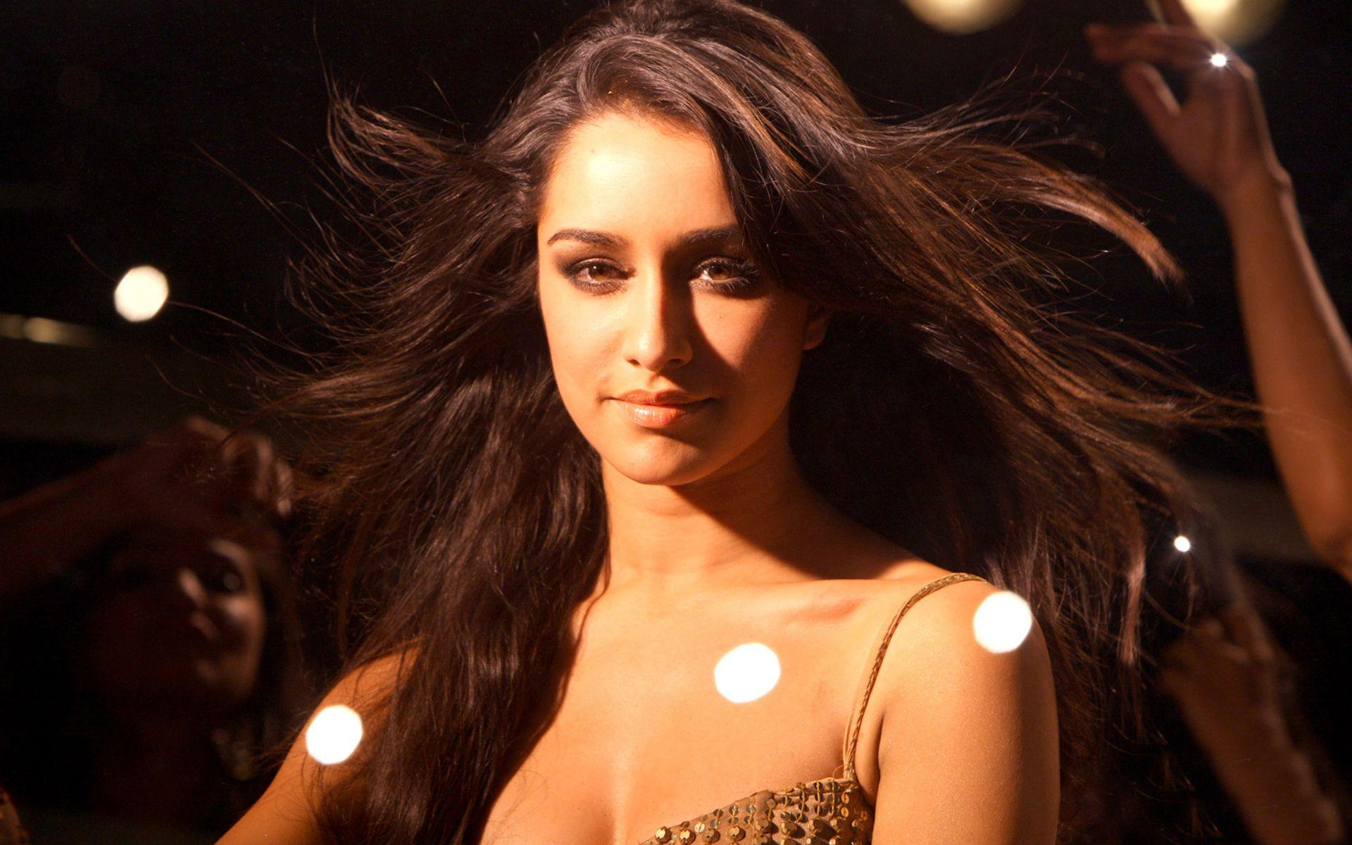 shraddha_kapoor_wallpaper_97338039
