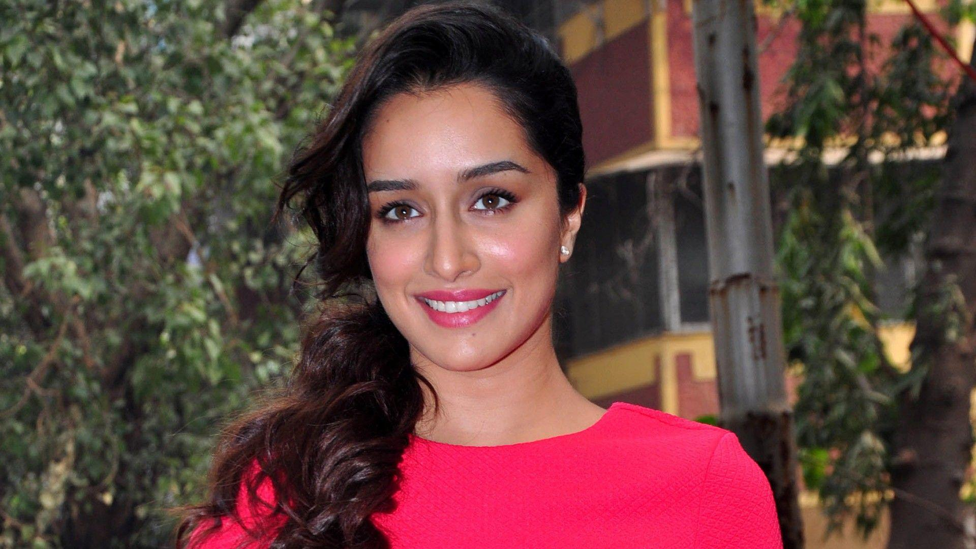 shraddha_kapoor_wallpaper_97338041