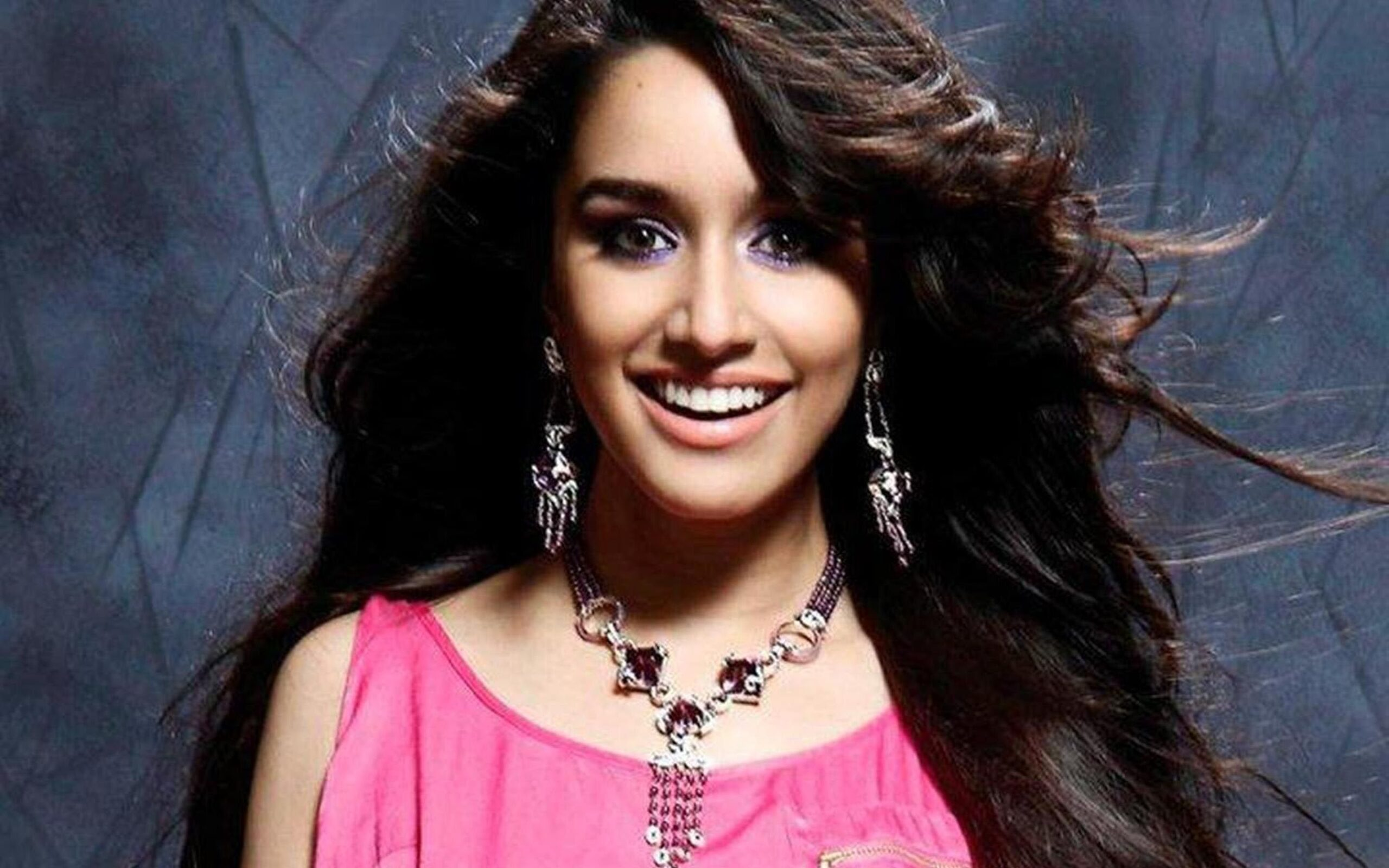 shraddha_kapoor_wallpaper_97338048
